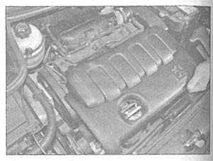 Крышка двигателя Peugeot 206